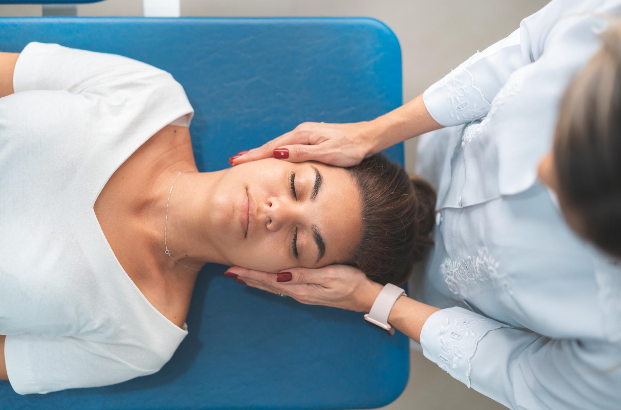 GPR - Global Postural Re-education, neck adjustment